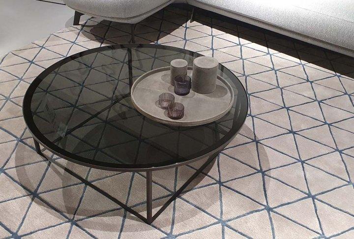 toonzaalmodel salontafel van Leolux - blad in glas - rond