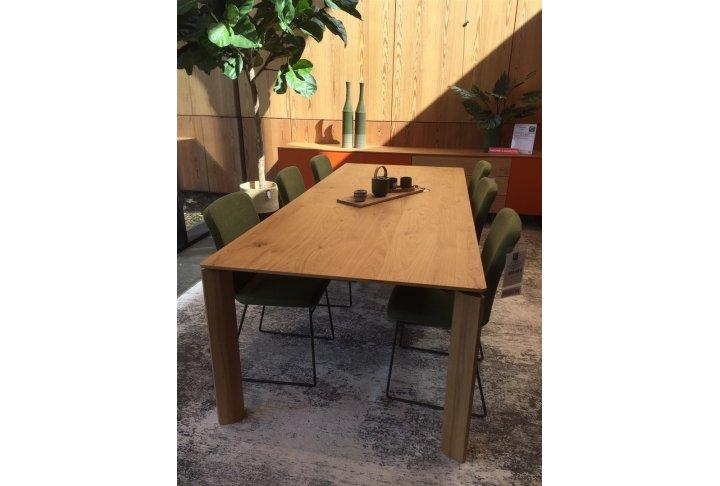 Eettafels en stoelen Vedema