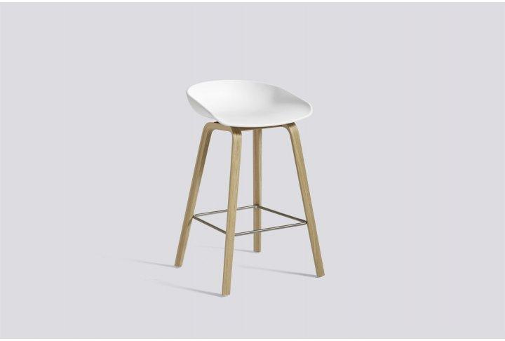 Eettafels en stoelen About a stool 32