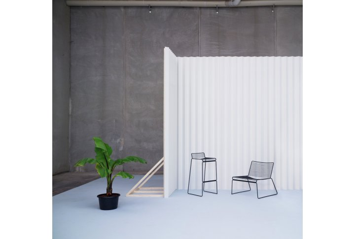 Eettafels en stoelen About a chair