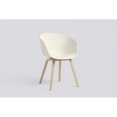 About a chair 22 polyprop cream white/poot oak